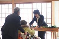車椅子で玉串奉奠.JPG