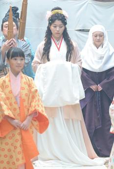 大河ドラマ、平清盛、滋子の婚礼衣装−50.JPG
